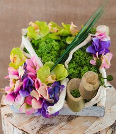 Mattonella Sylvia  #mattonella in #legno #sylvia #shabby #shabbychic #floraldesign #flowers #ortensie #orchidee #naturaltouch #muschio #oniongrass  #fioriartificiali   #design #arredamento #lafleuriste #lafleuristechic