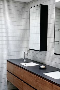 Timber Bathroom - Red Hill Residence - Travis Walton - Melbourne, VIC, Australia - The Local Project 4