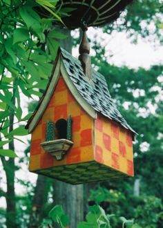 Beautiful little bird house - Regal Roosts Gallery Bird House Feeder, Bird Feeders, Birdhouse Designs, Bird Houses Painted, Bird Boxes, Colorful Garden, Fairy Houses, Little Houses, Dream Garden