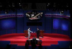 30 ideas sobre los debates televisivos. Los debates en televisión son un tema clásico de cada campaña electoral. Son un tema, justamente, de debate. Mucho se discute acerca de ellos. Y  la discusión se enreda entre mitos y realidades.  Por eso es interesante repasar algunas ideas respecto a los debates televisivos:  - See more at: http://blog.marketingpoliticoenlared.com/2014/09/17/30-ideas-sobre-los-debates-televisivos/#sthash.Aah9frzf.dpuf