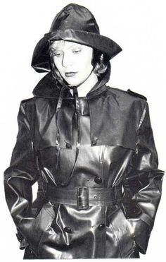 Souwester Rain Cape, Equestrian Chic, Rubber Raincoats, Female Supremacy, Rain Gear, Raincoats For Women, Black White Photos, Preppy Style, Black Rubber