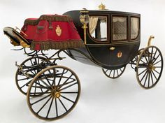 A gala berlin coach made for the coronation of King Haakon and Queen Maud of Norway. | Coachbuilder: O. Sørensen, Kristiania (Oslo), 1906