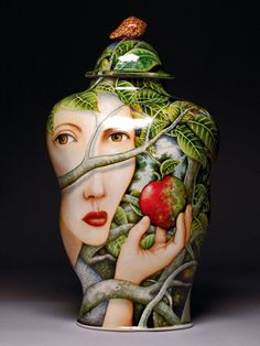 Red Queen by Kurt Weiser, Porcelain, china paint; 18 x 10 x Photo: Kurt Weiser/.you are the apple of my eye? Ceramic Boxes, Ceramic Clay, Ceramic Vase, Ceramic Pottery, Pottery Art, Talavera Pottery, Porcelain Vase, Fine Porcelain, China Painting