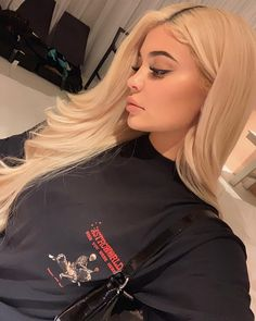 Shared by Find images and videos about beauty, makeup and kylie jenner on We Heart It - the app to get lost in what you love. Photos Kylie Jenner, Trajes Kylie Jenner, Looks Kylie Jenner, Estilo Kylie Jenner, Kyle Jenner, Kylie Jenner Makeup, Kylie Jenner Outfits, Kendall And Kylie Jenner, Kardashian Jenner