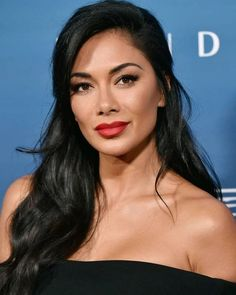 Nicole Scherzinger is one of the beautiful celebrities and she looks amazing with her makeup. Bad Hair, Hair Day, Nicole Scherzinger Hair, You Look Stunning, Photo Portrait, Christina Milian, Celebrity Beauty, Khloe Kardashian, Beautiful Celebrities