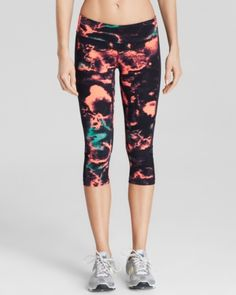Designed to move with you from the gym to the streets, these eye-catching Alo Yoga capri leggings flaunt a flattering fit, finished with a flash of fiery lightning. Capri Leggings, Women's Leggings, Emma Style, Yoga Capris, Cool Halloween Costumes, Yoga Wear, Unique Outfits, Workout Leggings, High Fashion