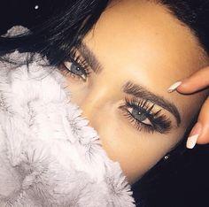 Those lashes!! Pinterest: @AnaePaige