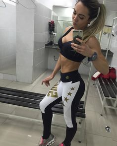 @camilalaporta usa look Superhot aqui da Miss Fit Brasil.! Legging ainda disponivel! Ela é sensacional!  International customers shop in www.fitzee.biz _______________________________________  http://ift.tt/1PcILpP  www.fitzee.biz Whatsapp: 41 9144-4587  Worldwide shipping  Parcele em até 4x sem juros via Pagseguro _______________________________________ #missfitbrasil #lifestylefitness #lindaatetreinando #amamostreinar  #bestrong #girlswholift #beautiful #besuperhot #fitnessmotivation…