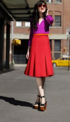 Color blocking , Pleated skirt