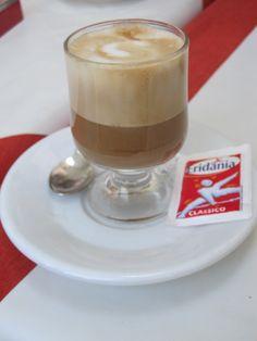 1/2 espresso + 1/2 cappucino = 1 espressino.