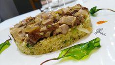 Toma ya fusion extraña!!, un cous cous de ascendencia arabe con un encebollado de lo más alejado a su tradicional sabor…. Ingredientes para el cous cous: 200 gr. de cous-cous 50 gr de brocoli 5gr. de hierbabuena 2 Boletus crudos en dados muy finitos 1 cebolla grande Zumo de 1 limon. Aceite de oliva Sal.... Lea más Couscous, Grande, Menu, Rice, Food, Broccoli Slaw, Pork Tenderloins, Easy Food Recipes, Oil