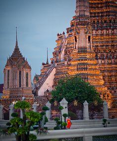 Monje, Bangkok, Tailândia www.calcathai.com