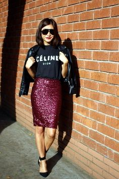 Look fashion forward in sparkling sequin outfits. Find here the upbeat styling ideas of sequin skirts and make a bold and powerful style statement. Paillette Rock Outfit, Sequin Skirt Outfit, Heels Outfits, Skirt Outfits, Stylish Outfits, Bar Outfits, Sunday Brunch Outfit, Look Fashion, Fashion Outfits