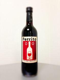 Red Wine Funny Label. Botella de vino con una etiqueta divertida!