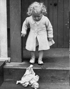 She won a beautiful doll from a fair and treasured it. Her mother warned her not to take it out into the street to play with the other children but she did, and it fell out of the pram and smashed to pieces. Vintage Children Photos, Vintage Girls, Vintage Pictures, Old Pictures, Vintage Images, Vintage Toys, Old Photos, Victorian Photos, Antique Photos