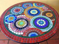 Resultado de imagen de mesas con mosaicos