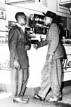 Zoot Suit Riots Mexicans | Zoot-suited teens at a Nedick's restaurant in New York in 1943. Corbis