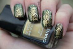 Snake nails - Incredible!