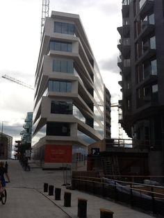 Detalhe fachada predio em Oslo