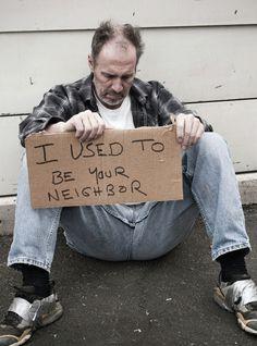 45% av de som mistet sine boliger i 2012, havnet i denne situasjonen på grunn av arbeidsløshet, viser tall fra spansk statistisk sentralbyrå. 22.938 personer har i løpet av 2012 fått hjelp ved sentre for hjemløse. 31,9% av disse har vært husløse mindre enn ett år, 23,6% mellom ett og tre år, og 44,5% mer enn tre år. http://www.spania24.no/huslose-pa-grunn-av-arbeidsledighet/