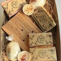 Lovely Natural Irish Hand-Crafted Soap Box with array of soaps, bath bombs and fizzy melts. Great chill out therapy!