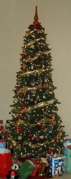1000 images about oh christmas tree on pinterest Christmas tree ribbon garland