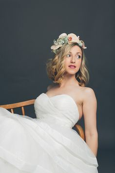 Hochzeitskleid Fotoshooting | Amir Kaljikovic Photography #wedding #dress #bride Fairy Tales, Wedding Dresses, Photography, Fashion, Marriage Anniversary, Dress Wedding, Marriage Dress, Wedding Bride, Photo Studio