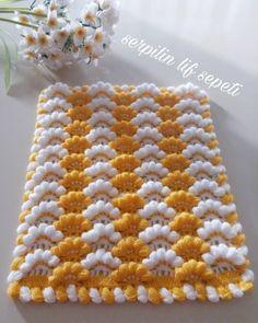 Crochet Mittens - Diadema a Crochet en punto tunecino de onditas en con flores tejido tallermanualperu Crochet Afghans, Crochet Squares, Crochet Motif, Baby Blanket Crochet, Crochet Doilies, Crochet Stitches, Crochet Baby, Knitting Blogs, Knitting For Beginners