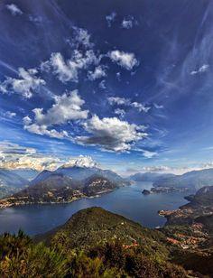 Панорама с горы, на озере Комо