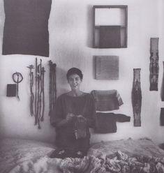 Sheila Hicks, Josef Albers, Artist Life, Textile Artists, Textile Design, Art Images, Fiber Art, Lana, Photo Art