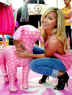 29 Ideas Wall Paper Pink Victoria Secret Dogs For 2019 Vs Pink Wallpaper, Trendy Wallpaper, Aztec Wallpaper, Screen Wallpaper, Cute Lazy Outfits, Pink Outfits, Ashley Tisdale, Pink Summer, Summer Of Love
