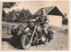 Motocicleta BMW R 75 con sidecar. División Hermann Göring.