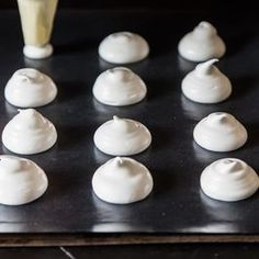 French Revolution/ Queen's Tea: How to Make Meringues with Any Amount of Leftover Egg Whites