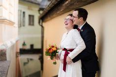 Piccolo matrimonio a Bad Aussee nel Salzkammergut Photoshoot, Bergen, Bad, Wedding Dresses, Ideas, Wedding Photography, Getting Married, Thanks, Hiking
