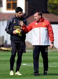 Luis Suarez: Why Brendan Rodgers gives us confidence http://www.liverpoolfc.com/news/latest-news/161346-suarez-brendan-gives-us-confidence … #LFC pic.twitter.com/6pUZHtTX0v