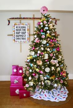 Sweet Cravings Christmas Tree: MichealsMakers The Paper Mama