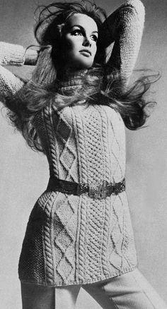 Jean Shrimpton  via  http://vintage-retro.tumblr.com/post/32219772561/jean-shrimpton-vogue-uk-september-1969