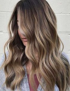 Hair 40 Eye-Catching Blonde Highlights For Brown Hair (Bronde Hairstyles) Brown Hair Cuts, Brown Hair Looks, Brown Hair Shades, Long Brown Hair, Light Brown Hair, Hair Color For Brown Eyes, Hair Colour, Brown Hair Balayage, Brown Blonde Hair