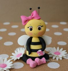 Paper Bumble Bee,Bumble Bee Die Cut,Bee Decoration,Scrapbook Die Cut,Scrapbooking Die Cut,Bumble Bee Designs, please visit my Etsy shop at https://www.etsy.com/shop/MyParfum, CUTE CUTE BUMBLE BEE TOPPER