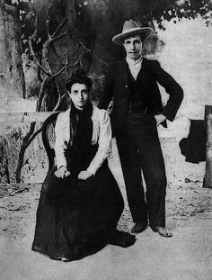 """Marcela Garcia Ibeas and Elisa Sànchez Loriga, or """"Mario"""", the Spanish lesbians who got married under the nose of the Catholic Church in 1901"""