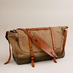 Wallace & Barnes upland field bag. Stylish weekend bag.