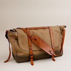 Wallace & Barnes upland field bag. Stylish weekend bag.