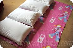how to make a sleepover bed - 4 pillows and a single duvet cover is all that's needed!