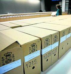 Catalunya només rebrà la meitat dels 'papers' que reclama a l'Arxiu de Salamanca - ara.cat, 17/06/2014. El Ministeri de Cultura assegura que només tornarà la meitat dels documents que reclama Catalunya. Com argument, esgrimeix la darrera sentència del Tribunal Constitucional. La lectura que fa el ministeri de la sentència és que només ha de tornar els documents que poden ser restituïts als seus propietaris. De les 546 caixes previstes amb documents textuals, només en tornarà 238.