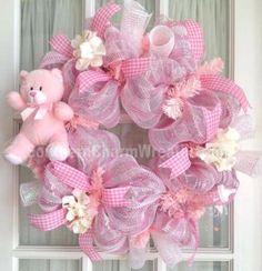 julie-siomacco-wreath-baby-pink