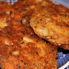 Salmon Patties Recipe - Deep South Dish & ZipList by katherine Canned Salmon Patties, Canned Salmon Recipes, Salmon Patties Recipe, Fish Recipes, Seafood Recipes, Cooking Recipes, Salmon Patties With Crackers, Seafood Dishes, Recipies