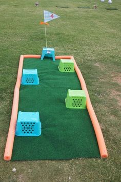 What Is the Correct Golf Swing? Golfers the world over are always in search of the perfect golf swing or the right golf swing. Golf Games For Kids, Golf Party Games, Kids Golf, Backyard Games, Outdoor Games, Party Outdoor, Outdoor Play, Thema Golf, Indoor Mini Golf