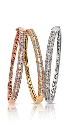 On sale elegant diamond bracelets! Diamond Bracelets, Gold Bangles, Diamond Jewelry, Bangle Bracelets, Bracelet Cartier, Bracelet Designs, Bling Bling, Jewelry Collection, Fine Jewelry