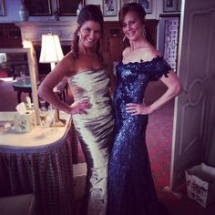 Sister, sister! Both looking amazingly gorgeous in their Rene Ruiz gowns.