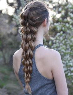 Master the art of pull through braid technique and you will never have a boring hair day again. Tree Braids Hairstyles, Athletic Hairstyles, Volleyball Hairstyles, Sporty Hairstyles, Trending Hairstyles, African Hairstyles, Summer Hairstyles, Braided Hairstyles, Workout Hairstyles